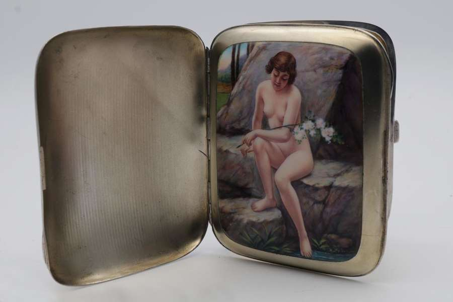 Secret naughty cigarette case