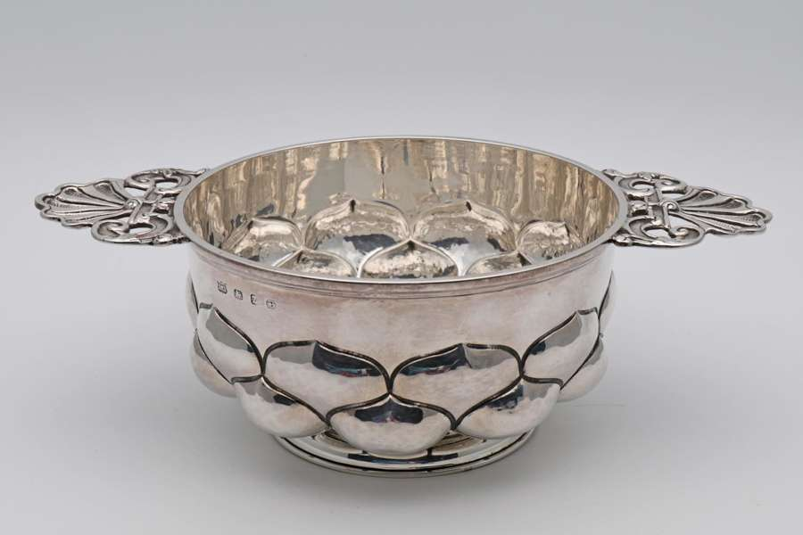 Arts and Crafts silver porringer