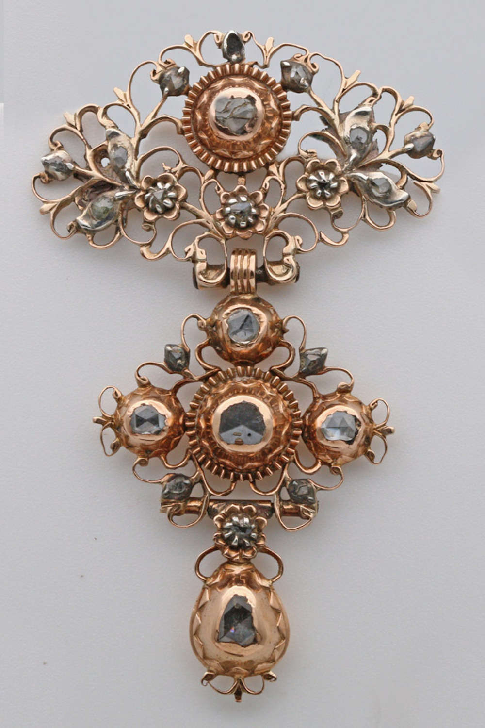 18th Century gold and diamond brooch