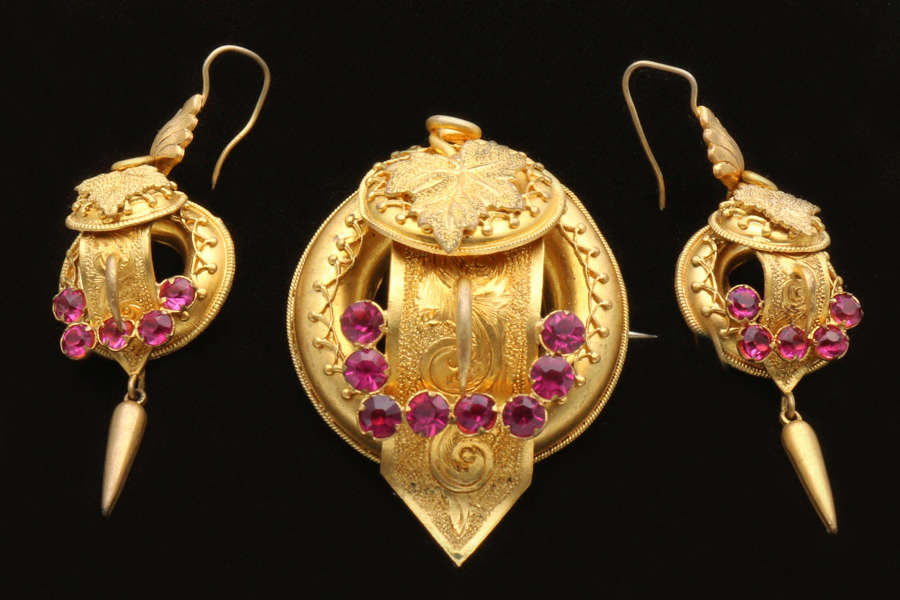 Victorian pinchbeck brooch and ear ring set