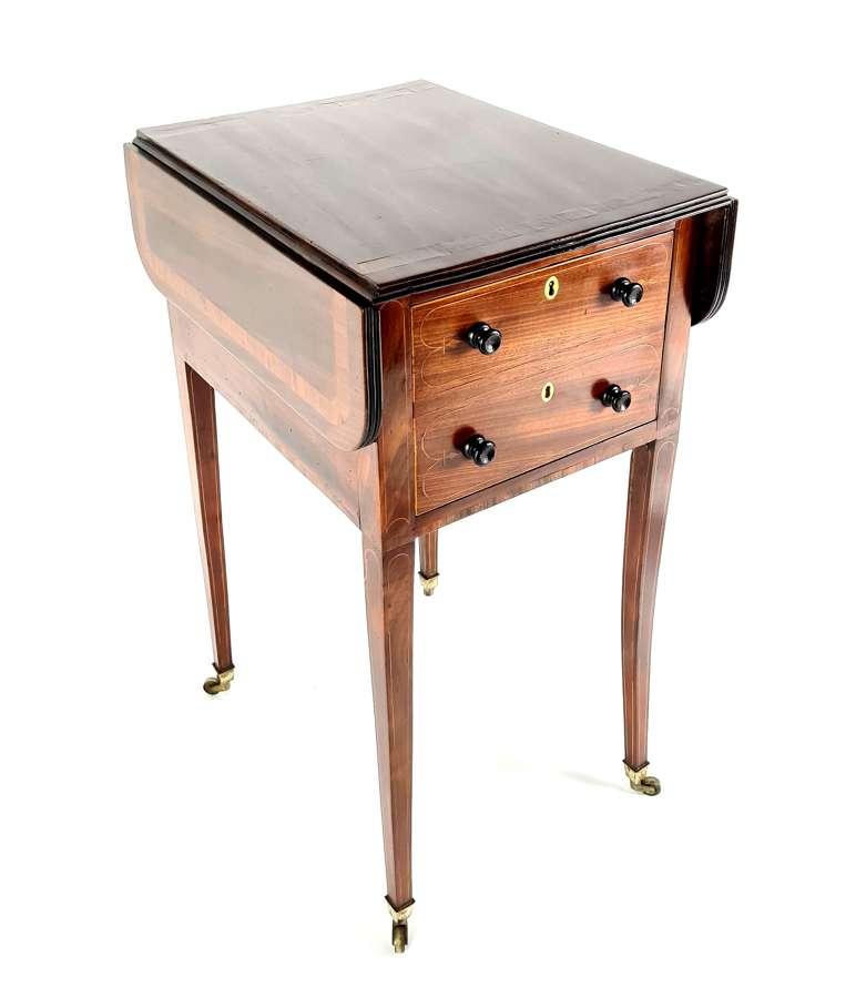 A Sheraton Twin Flap Occasional Table