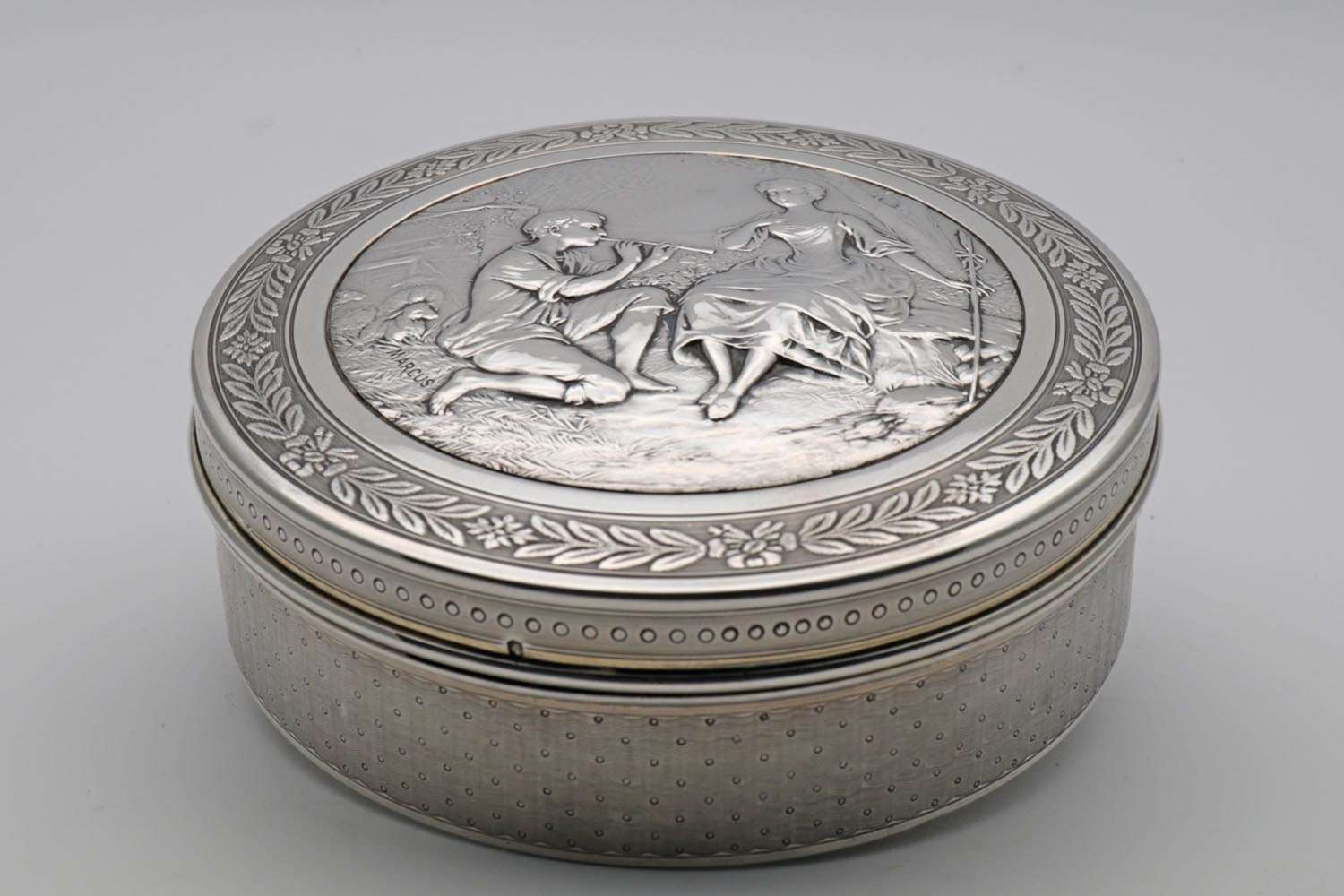 Engraved silver box by Schweitzer and Fort Paris c.1905