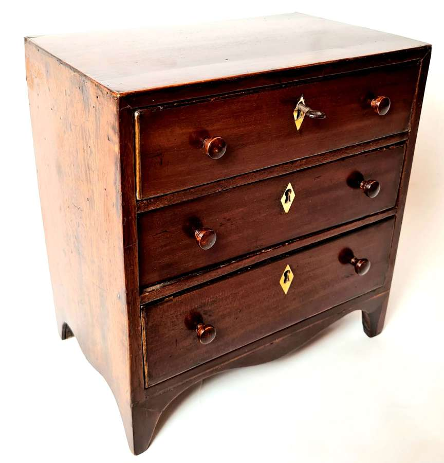 Apprentice Piece Model Chest of Drawers