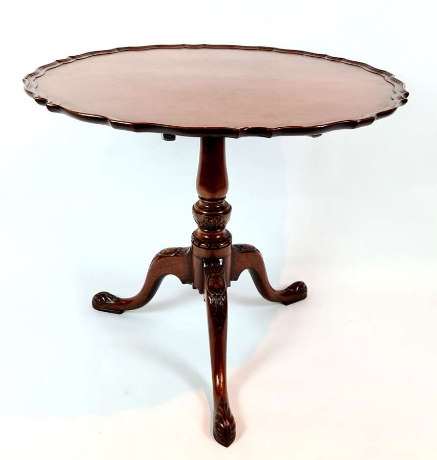 Snap Top Pie Crust Tripod Table