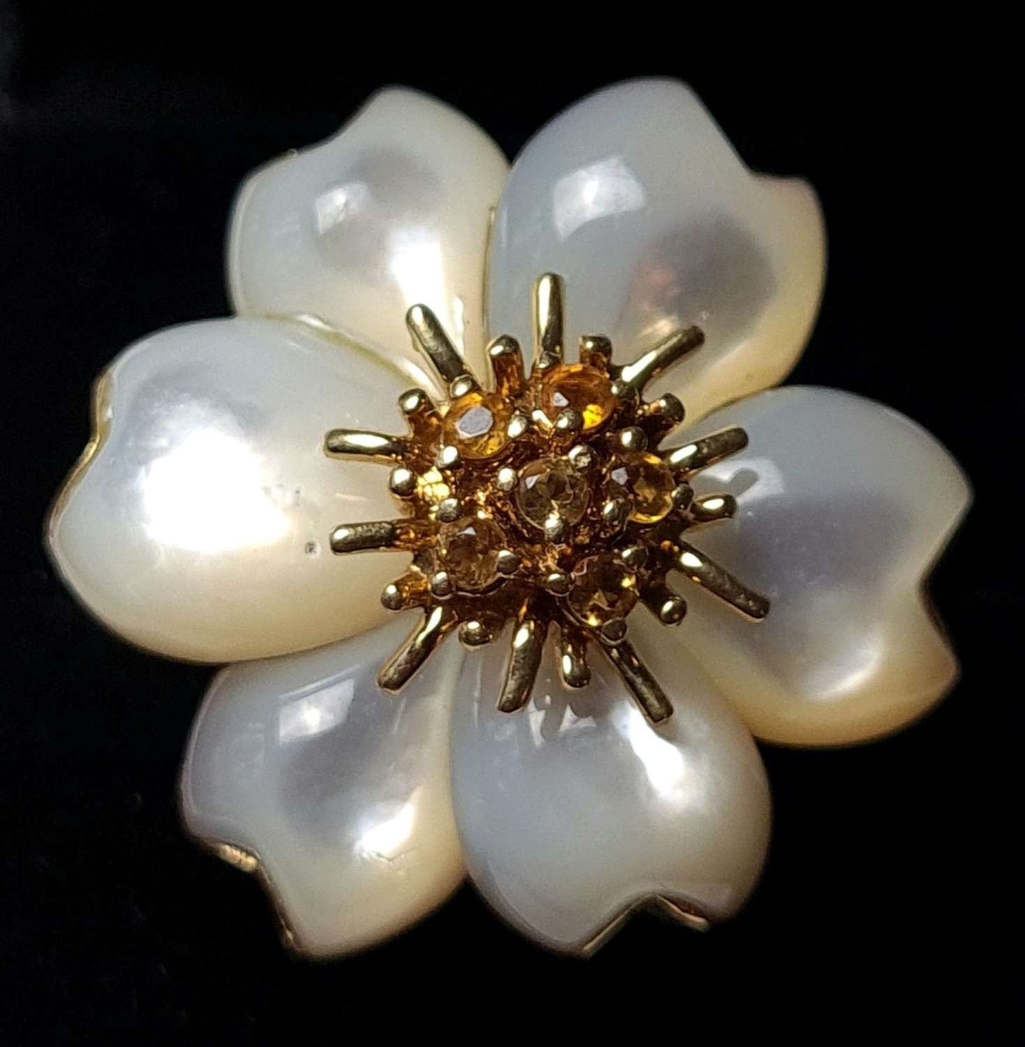 Mother of Pearl Flower Head Ring