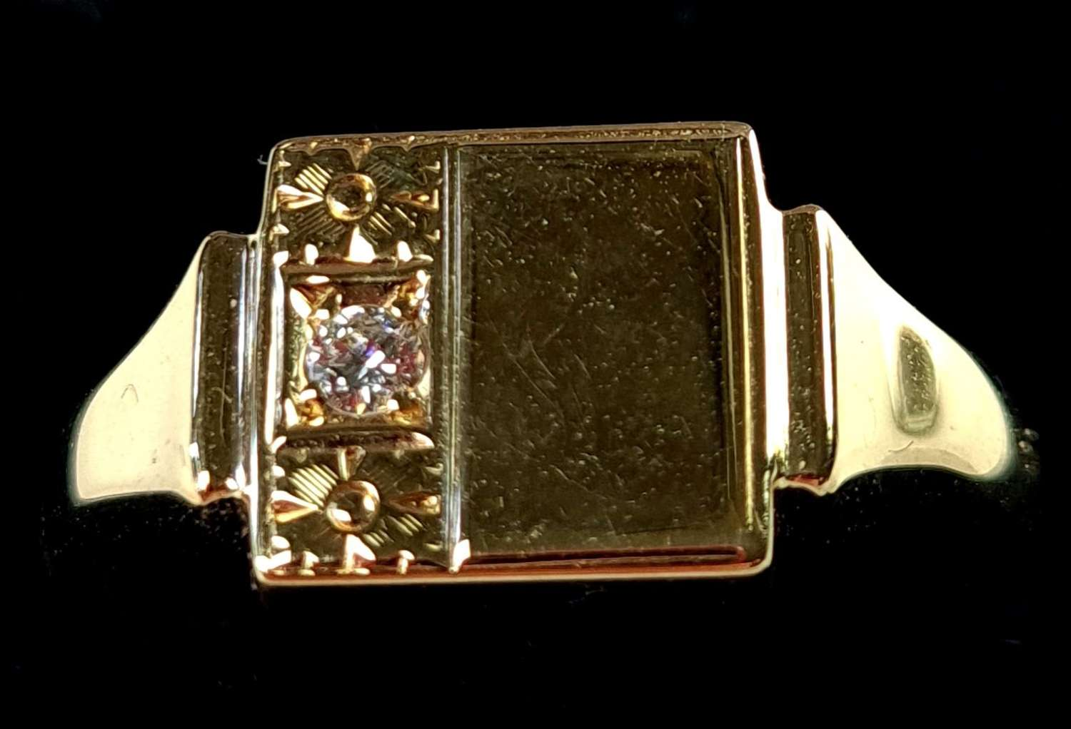 Signet Ring set with a Diamond