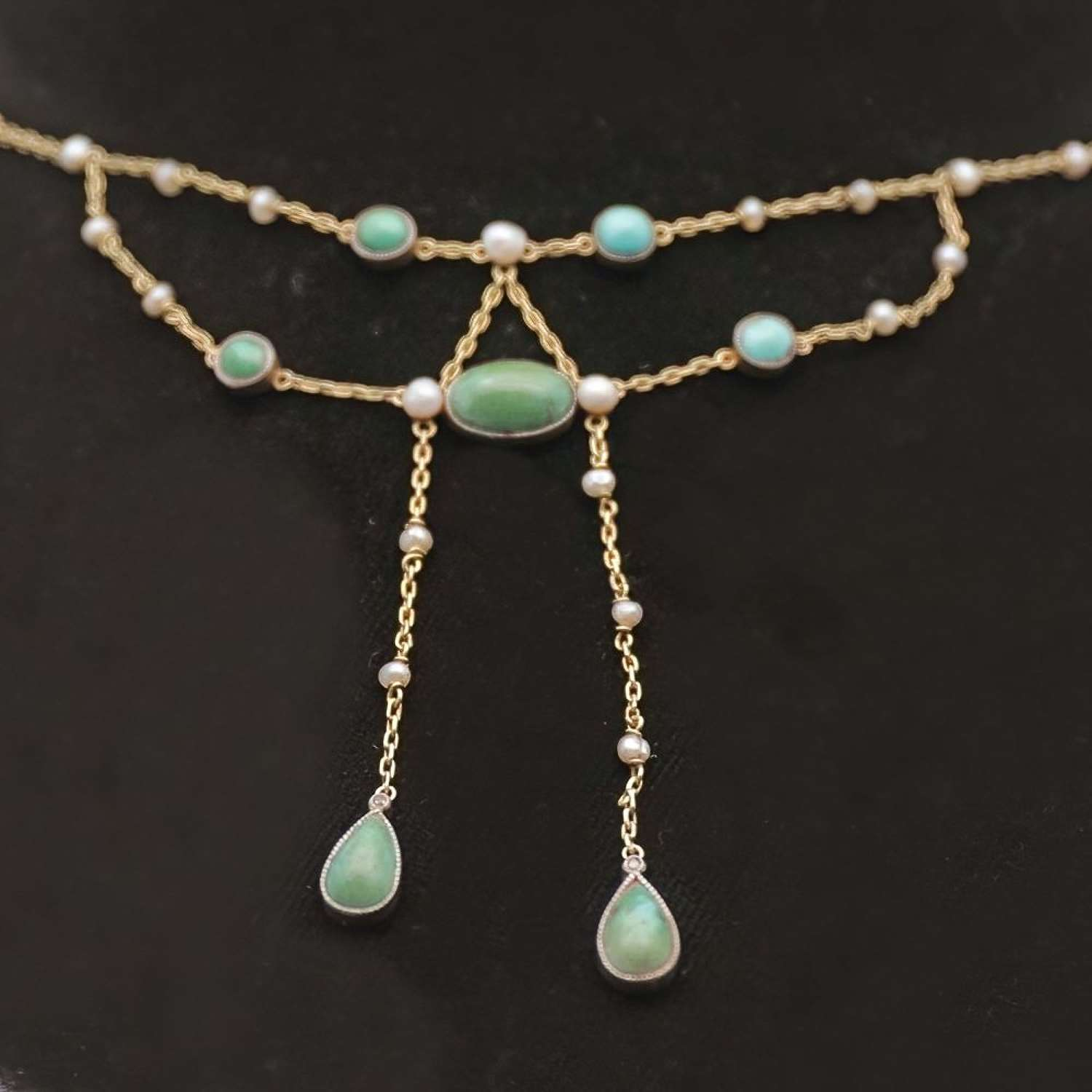 Victorian 18ct negligee necklace