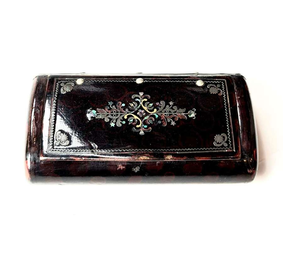 Snuff Box Inlaid with Mother of Pearl